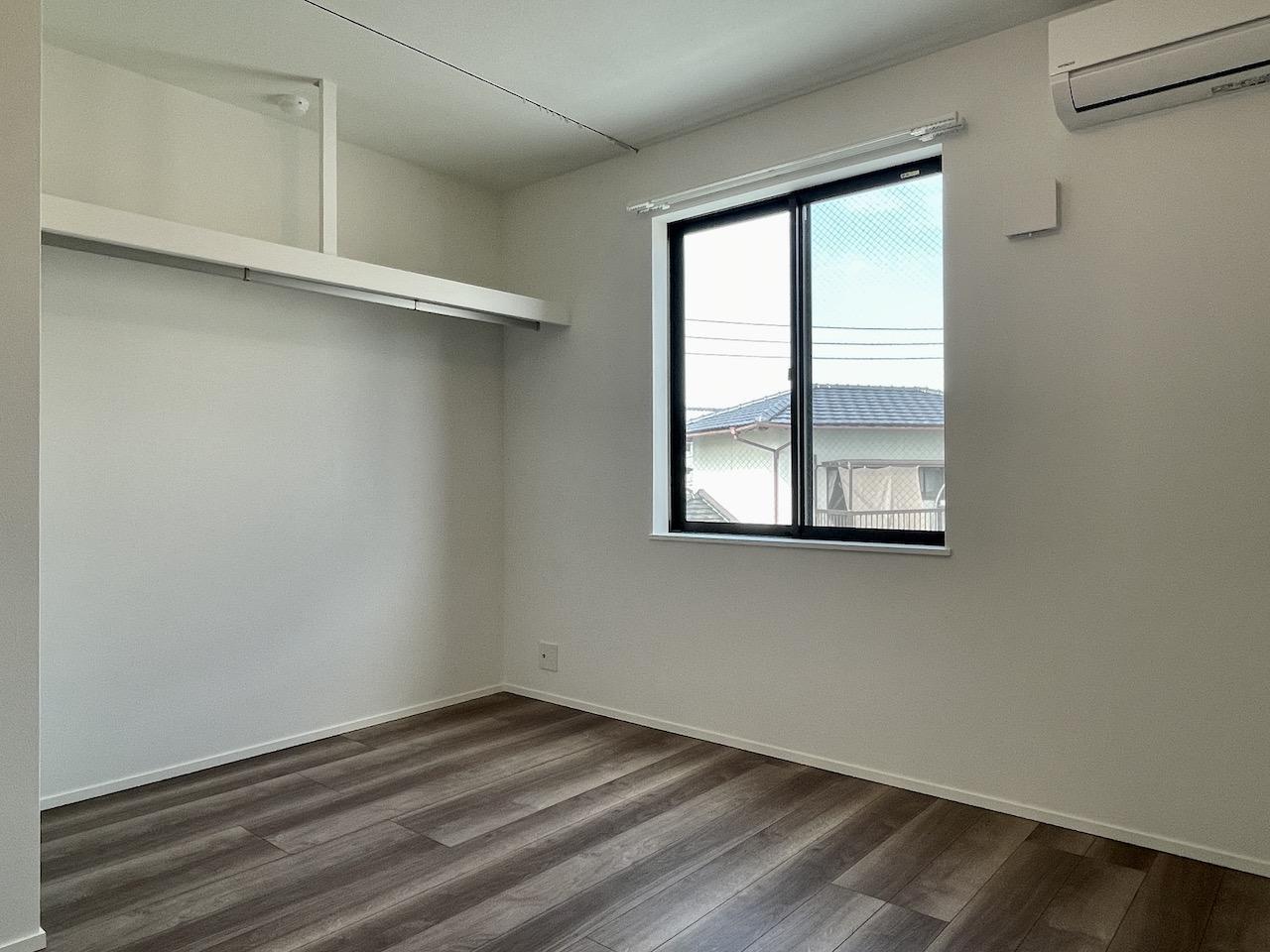 2階洋室2。