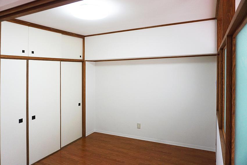 4.5畳のお部屋、収納スペースたっぷり。