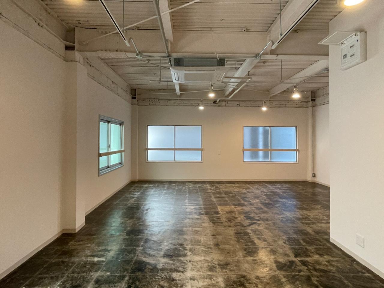 202号室:素を現したこの床、かっこいい