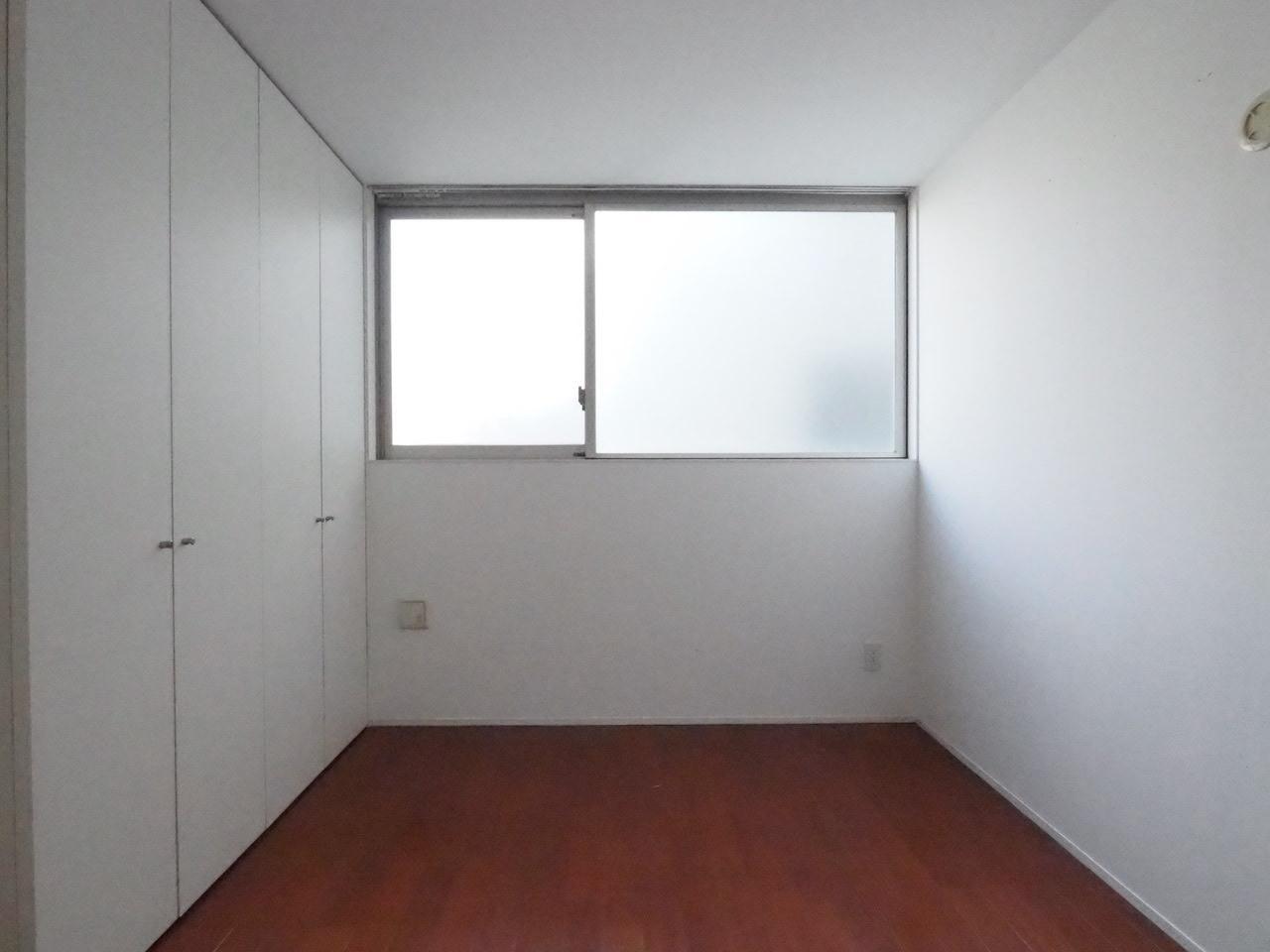 こちらの小部屋は寝室になるでしょうか