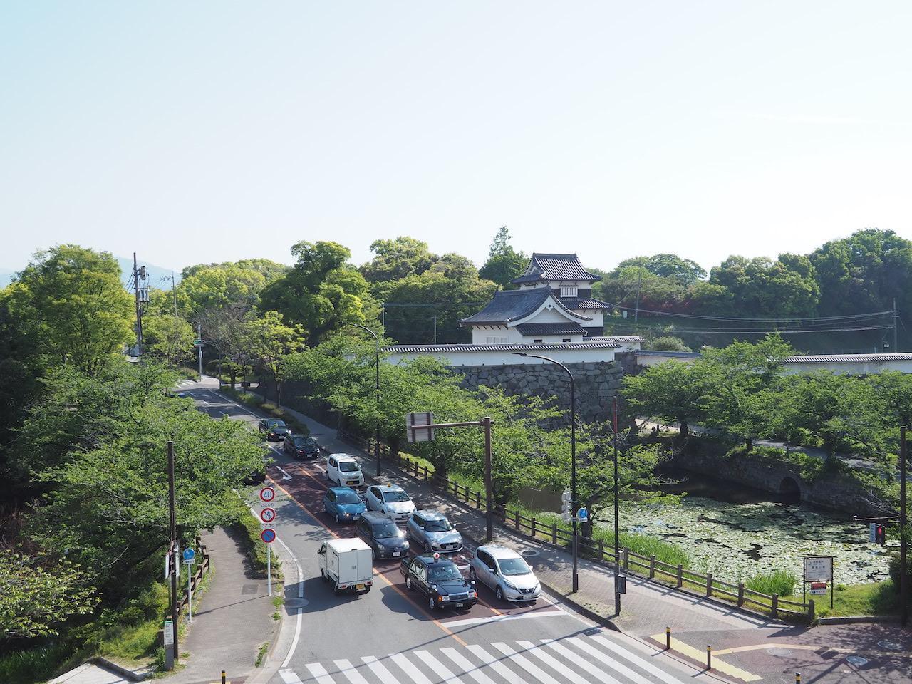 舞鶴公園とお濠と潮見櫓