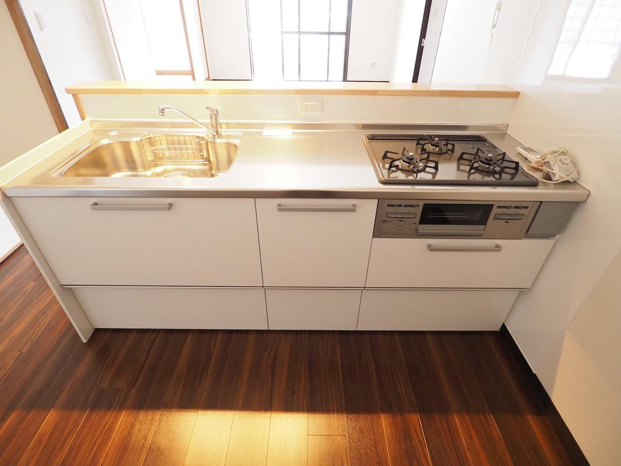 システムキッチン。料理が捗りそうです。