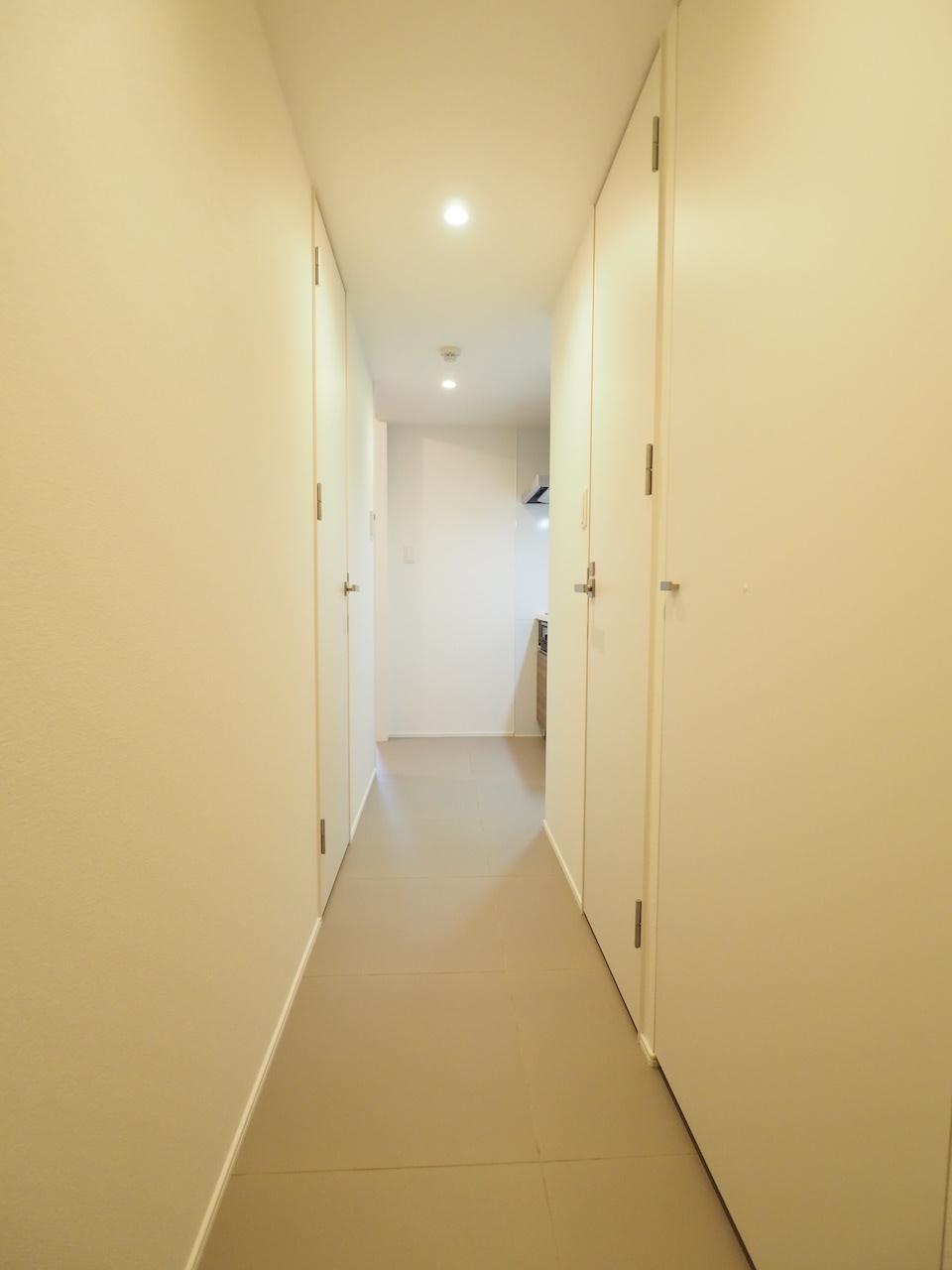 玄関開けたら廊下。
