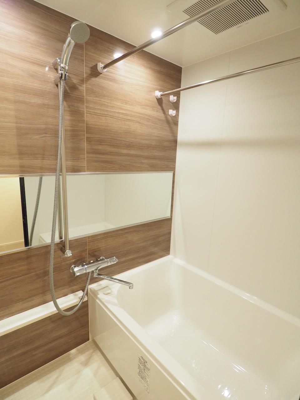 お風呂場は広めの仕様。