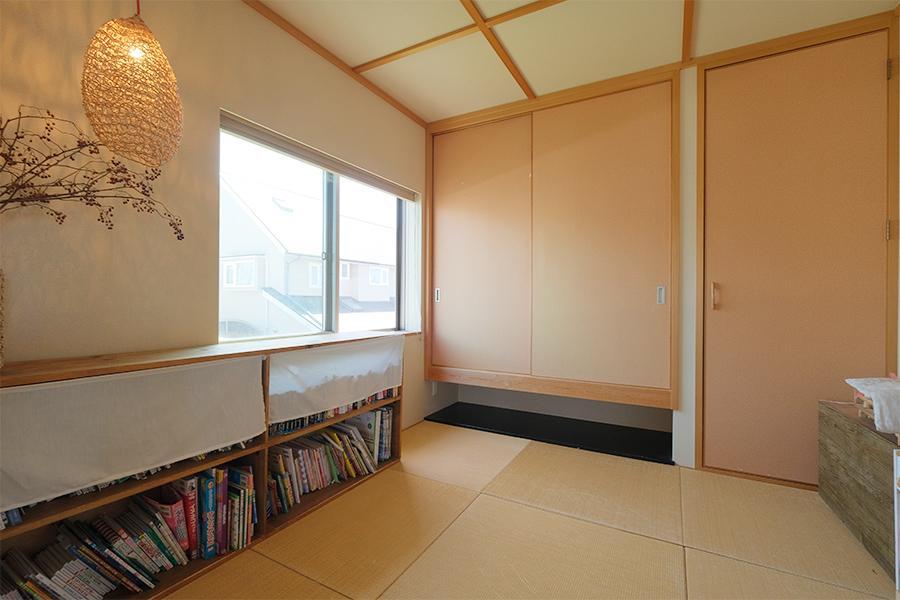 2階和室。どの部屋も明るいです。