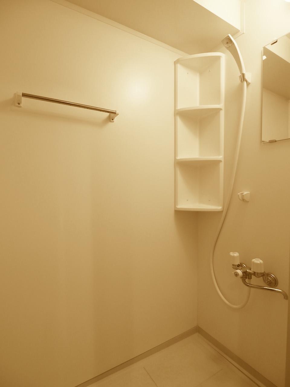 シャワールームもあります。