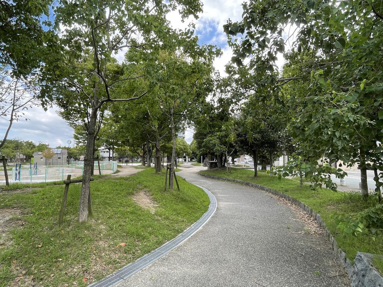 近くの公園もお散歩に最高。