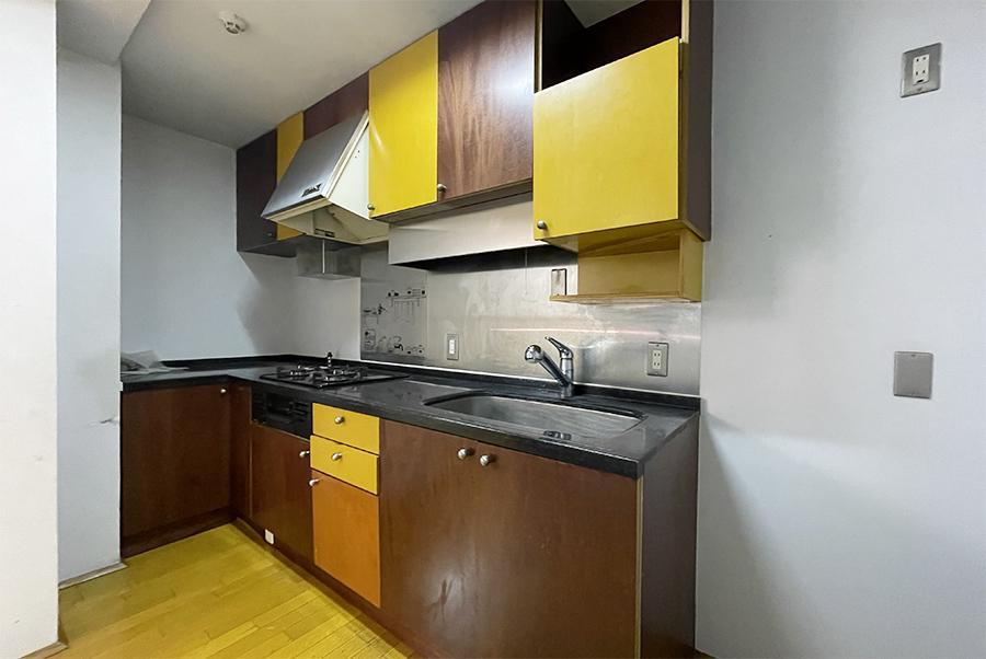 キッチンも同様のニュアンス。新しくはないですが、個人的には十分です。
