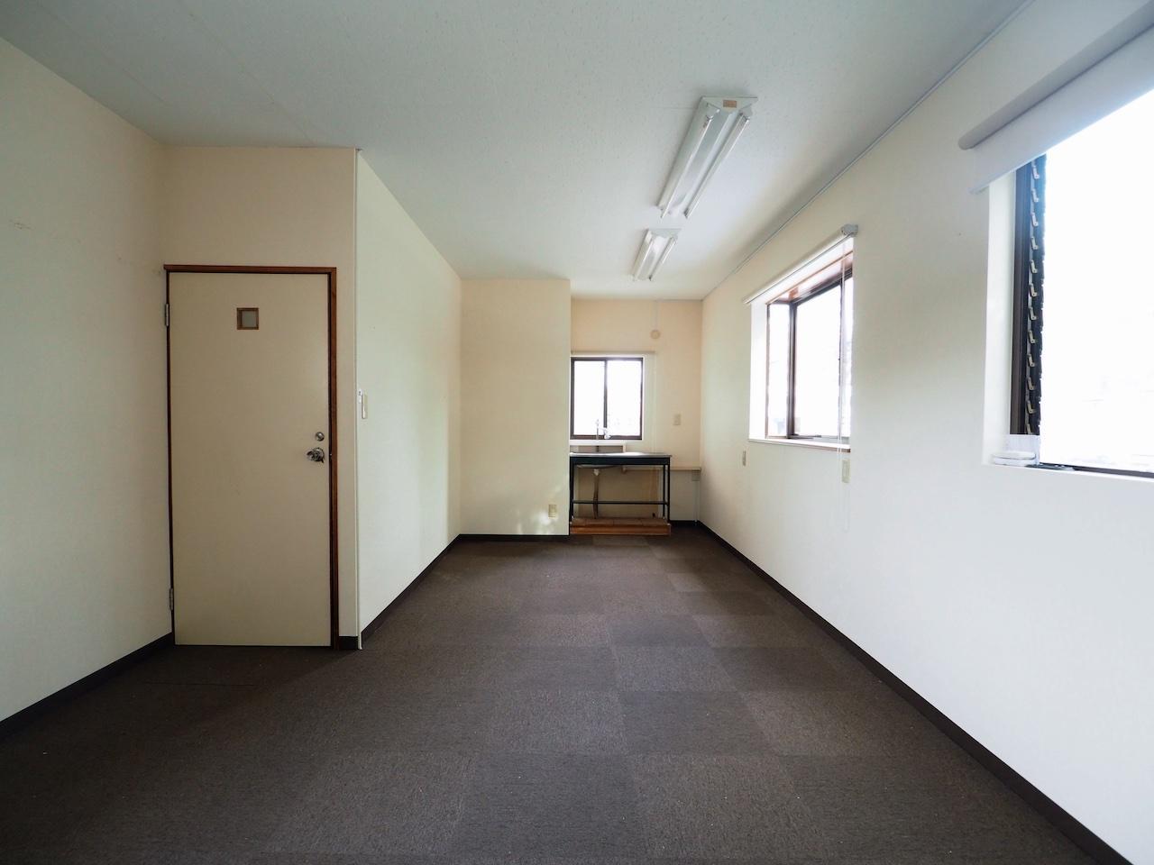 こちら2階。コンパクトな区画。