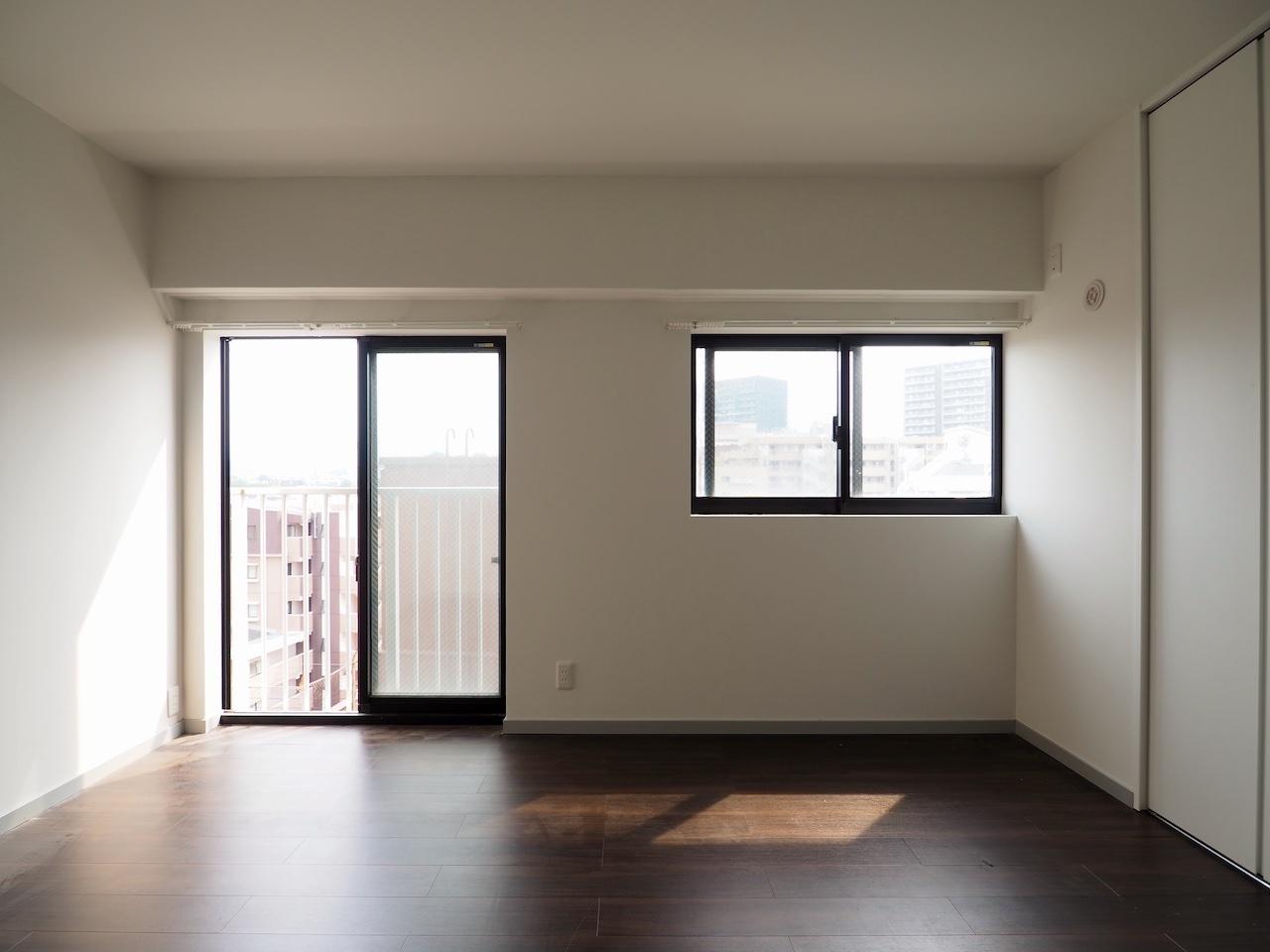 もう一つの部屋。こちらは寝室に。