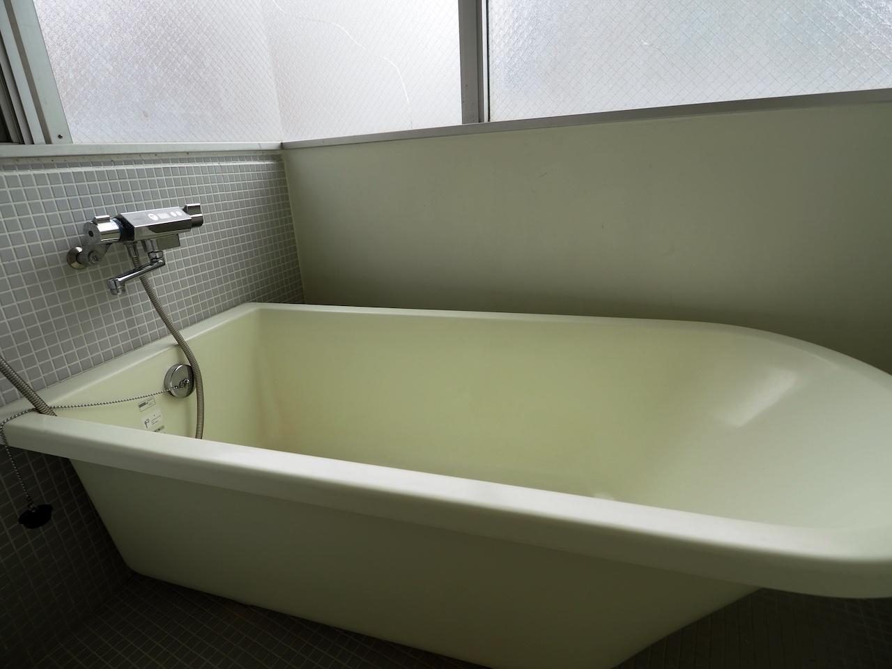 舟のようなお洒落なバスルーム。