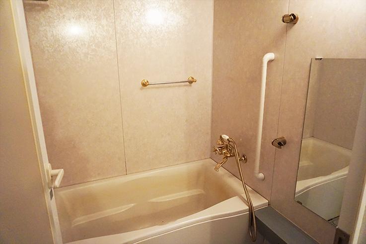ディティールにこだわりが感じられる浴室。