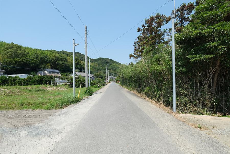 前面道路。のどかだ。