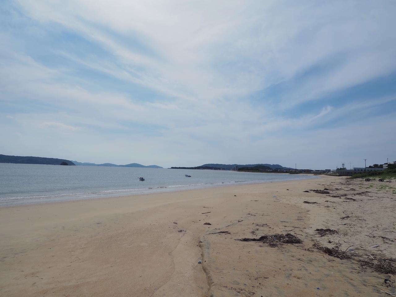 歩いて3分でこの海岸。