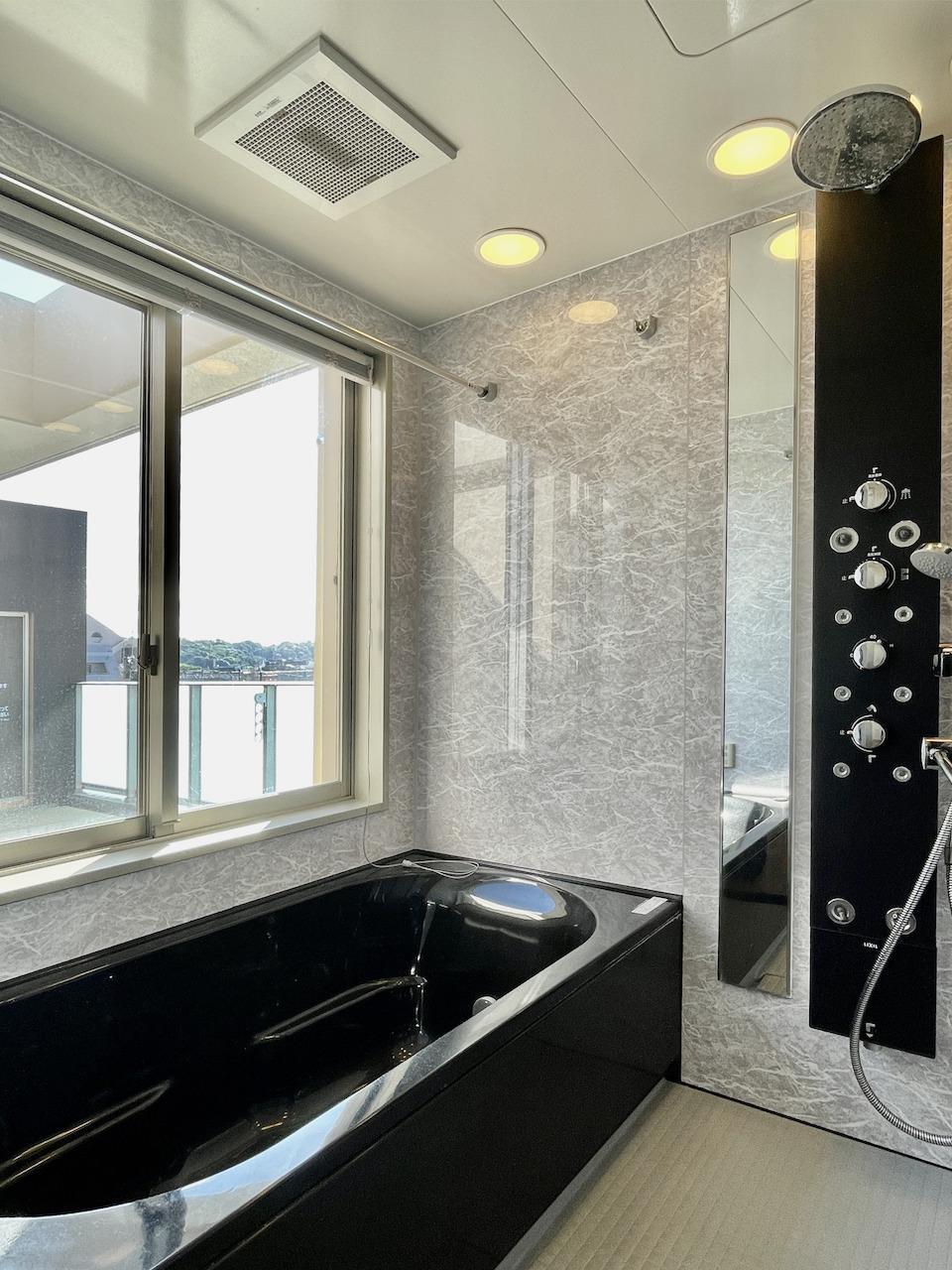 浴室からも外が見えます。