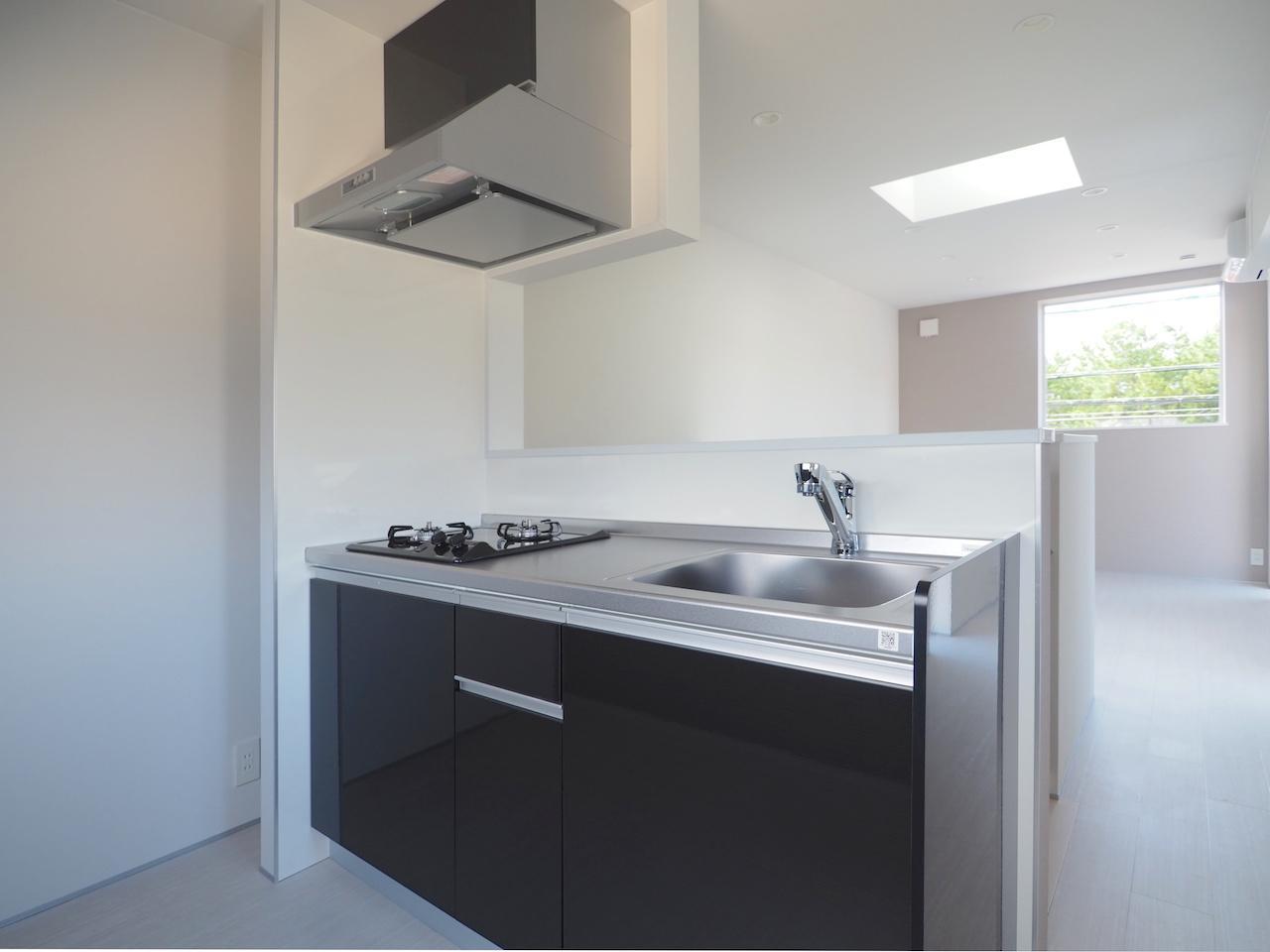 キッチンは広さがあり快適に料理が作れそう。