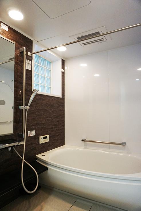 近年リフォームが施されたお風呂。