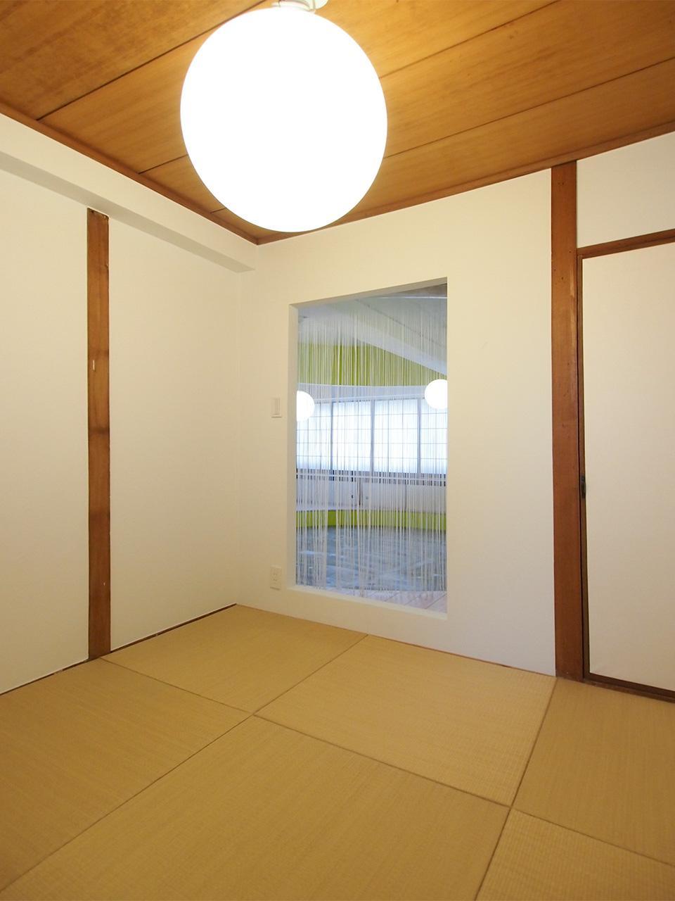 琉球畳でひと休み。
