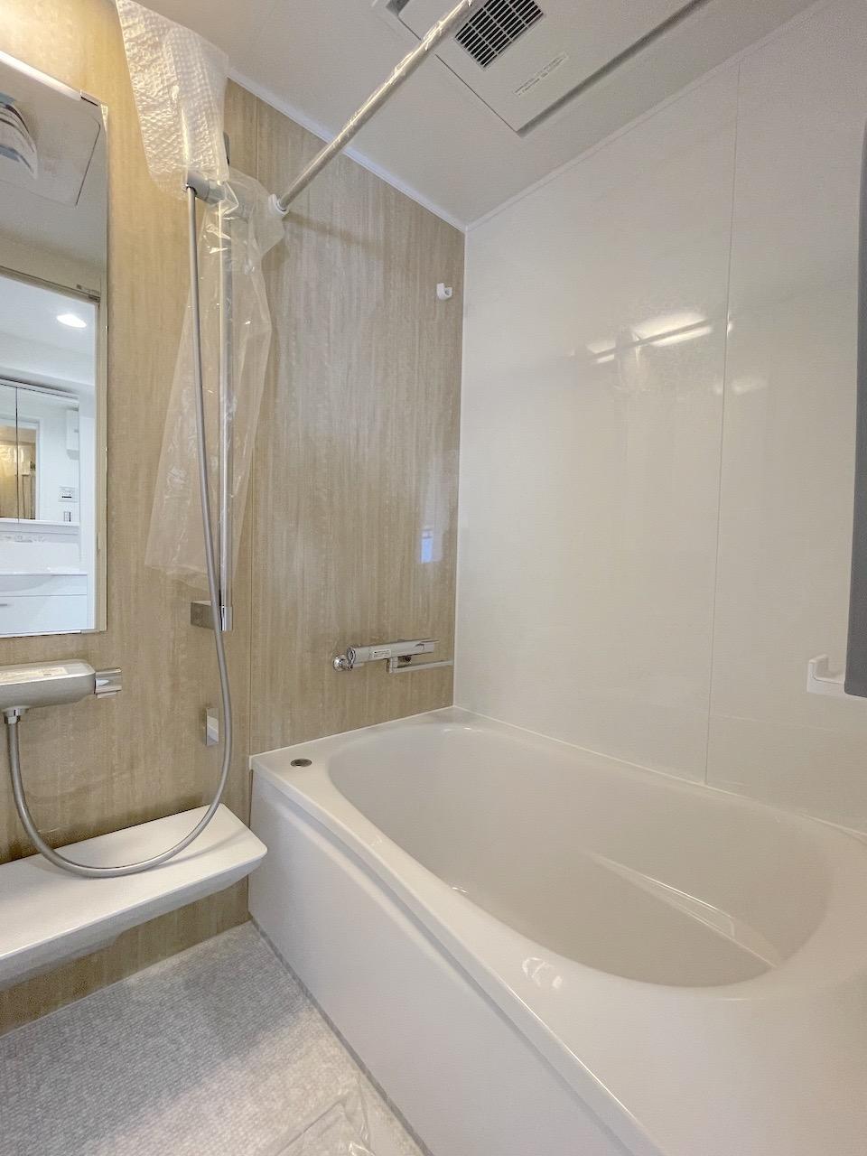 バスルーム。浴室乾燥機付き。