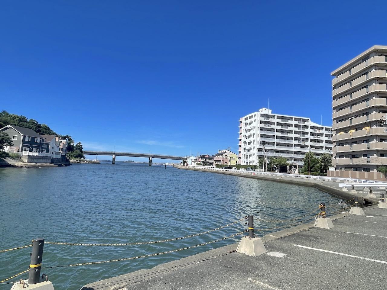 心休まる水辺に少し下町感もあり。