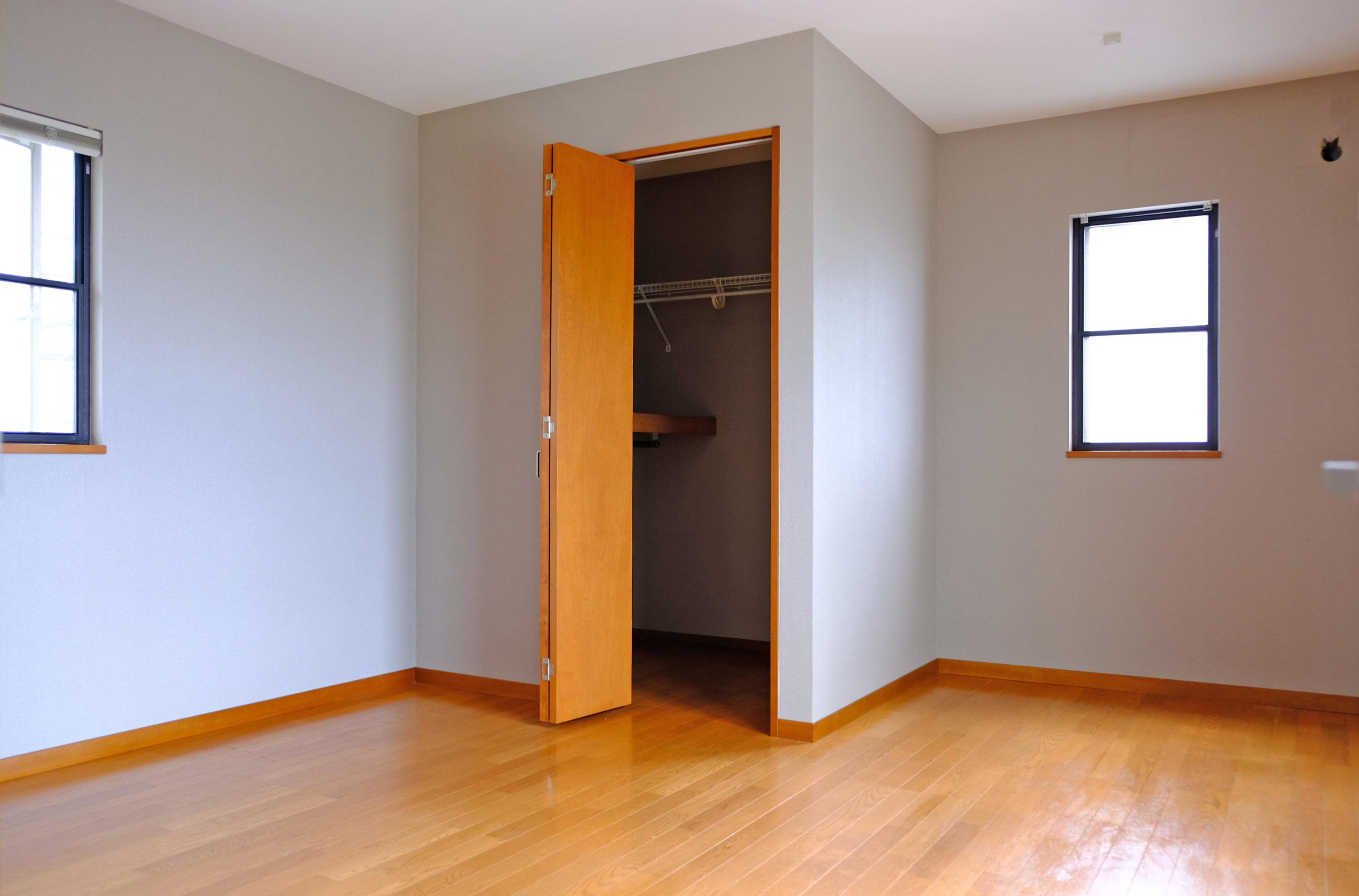 2階、広い洋室、ウォークイン付き