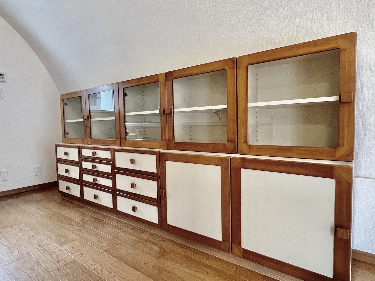 食器棚もついてます。