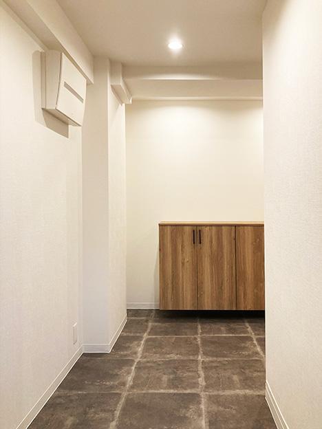 玄関には広めのスペースが確保されていますので、色々と重宝しそうです。