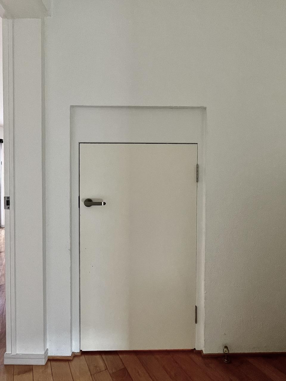 5階の階段を登った先にある扉を開けると・・・。