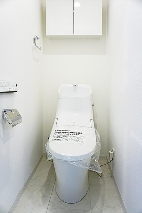 こちらも新品のトイレ。使ってもらうことを待っています。