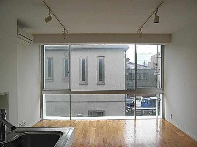 壁一面の窓