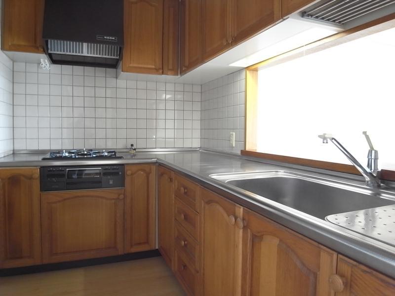 キッチンは新調されて1年ほど。