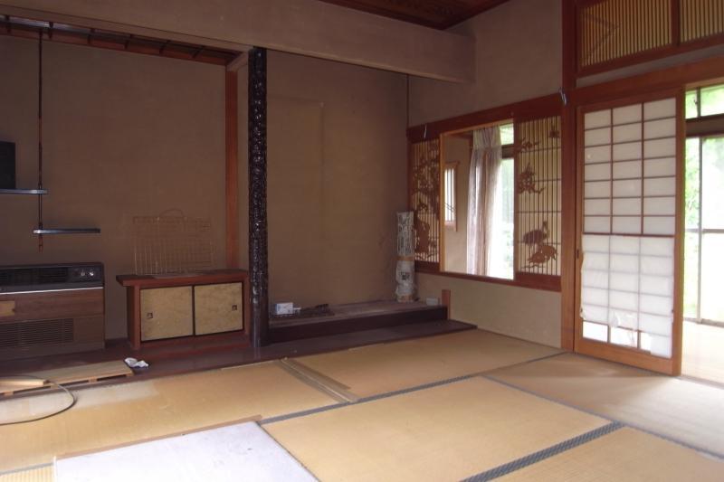 和室も新旧あり、こちらは比較的新しいものです。