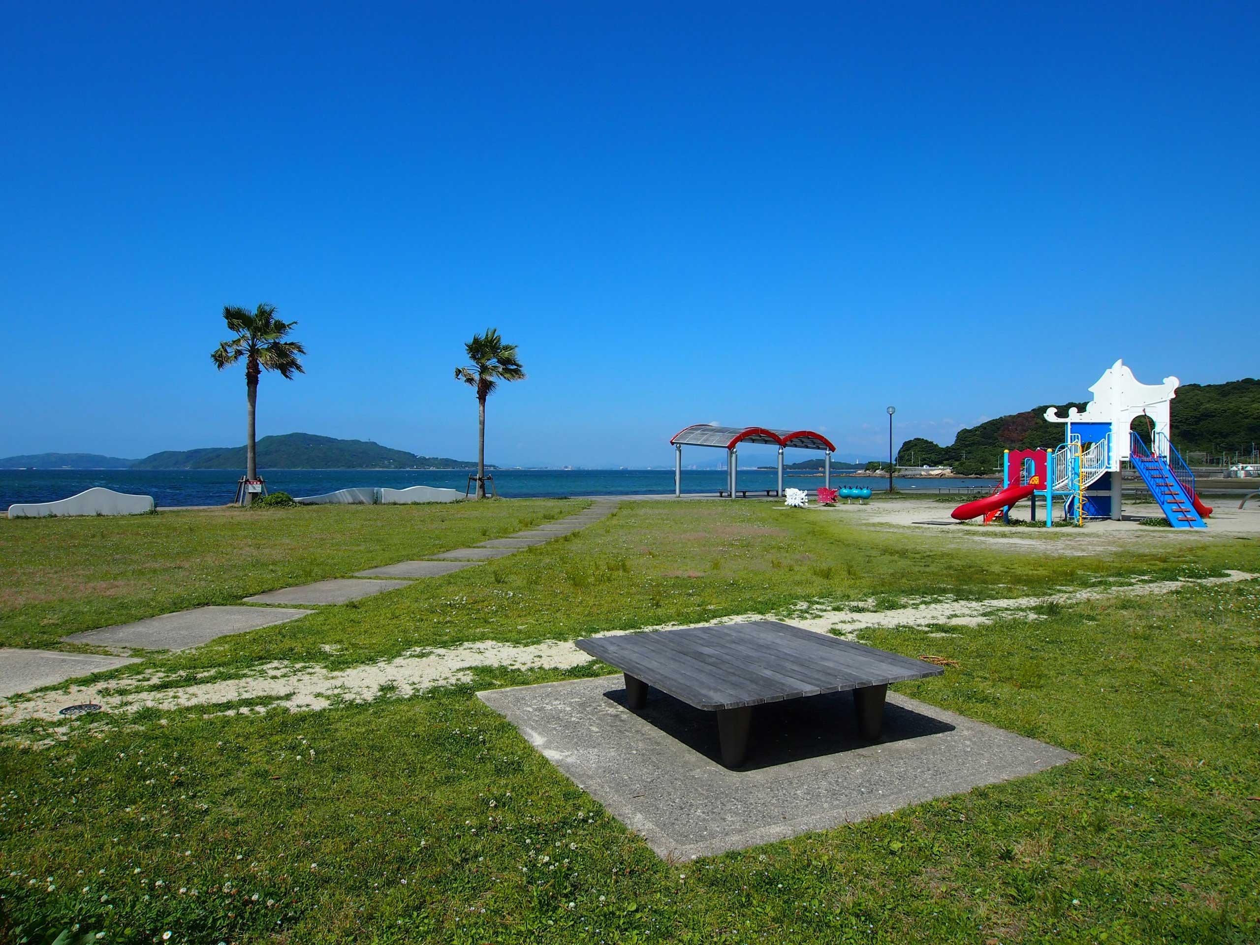 隣の隣は遊具もある長垂海浜公園