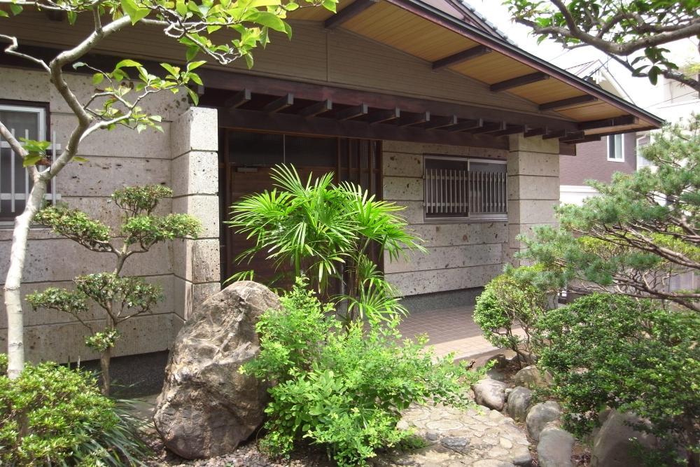 昭和の息づかいを宿す山の手の家 (北九州市小倉北区足立の物件) - 福岡R不動産