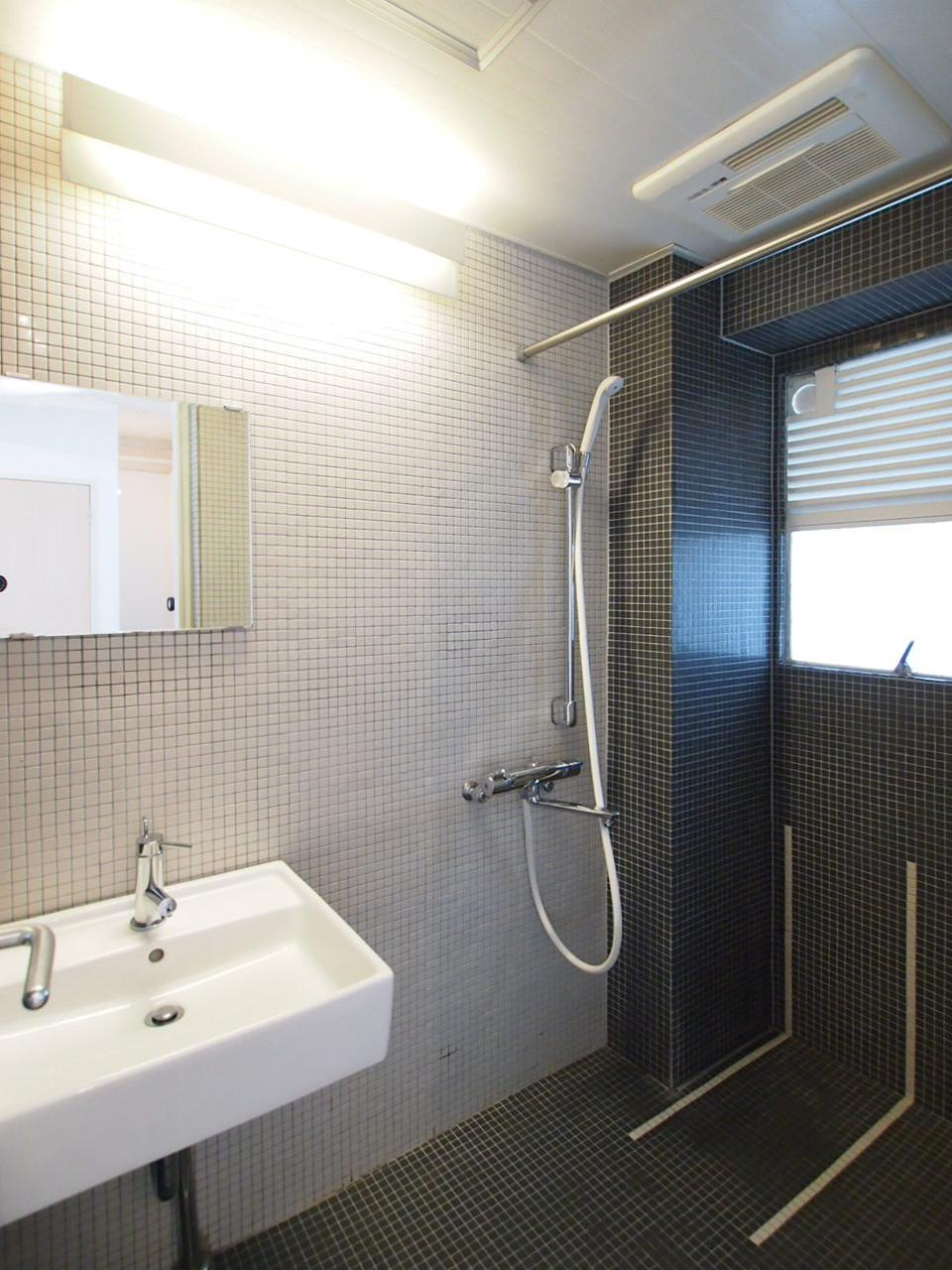 洗面+シャワールーム