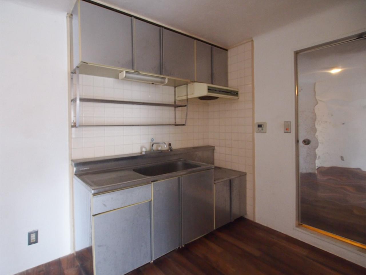 ステンレスでリメイクされてたキッチン