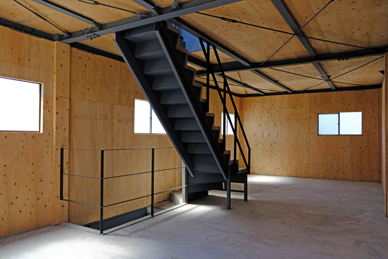 こちらは2階、階段も絵になります。