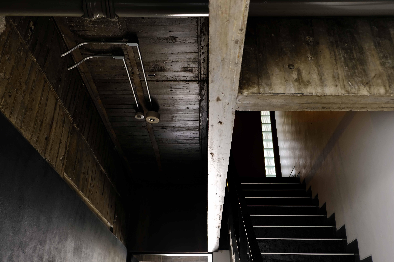 天井部、歴史を感じる躯体に惹きつけられます。