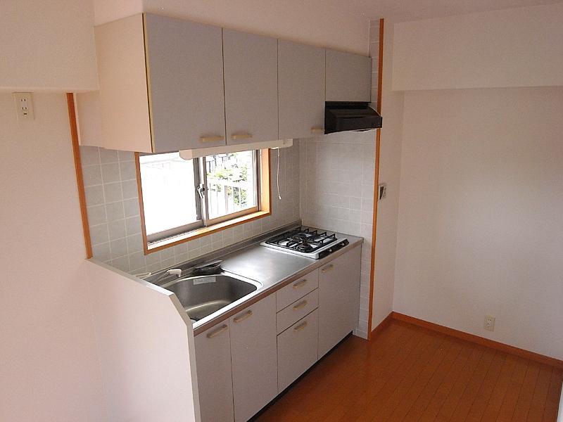 キッチンはゆったりスペースが確保されてます