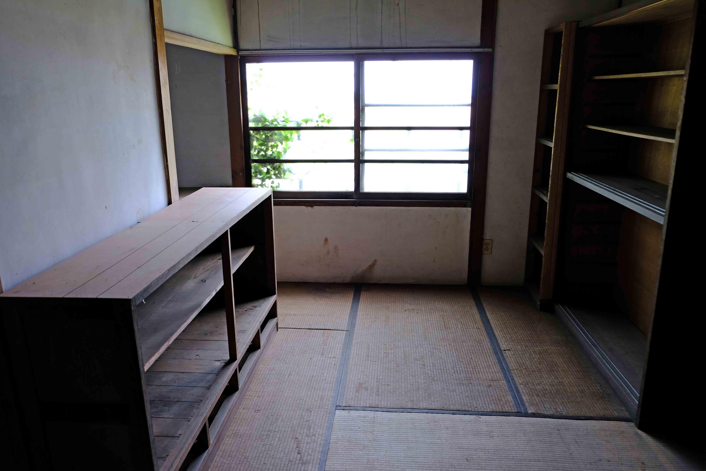 2号室。棚が豊富。