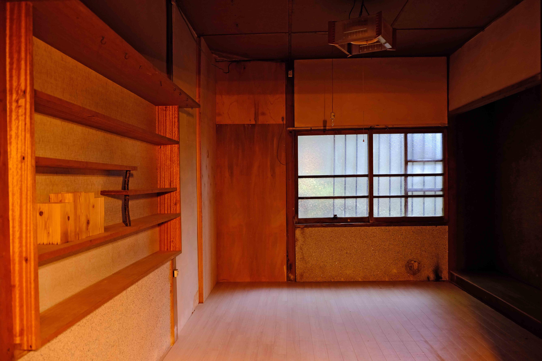 6号室。照明の関係で写真がちょっとムーディですが。
