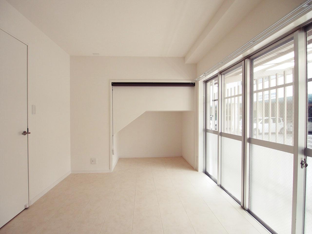 北側のお部屋は若干ラフ白で統一。