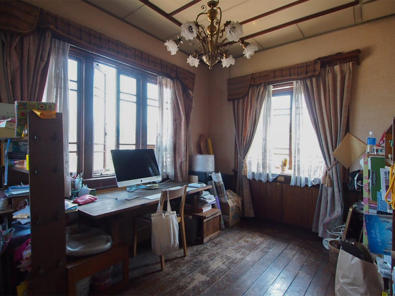 母屋1階洋館のようなお部屋。