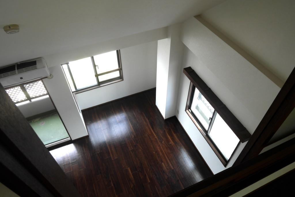 2階から下を見下ろせます