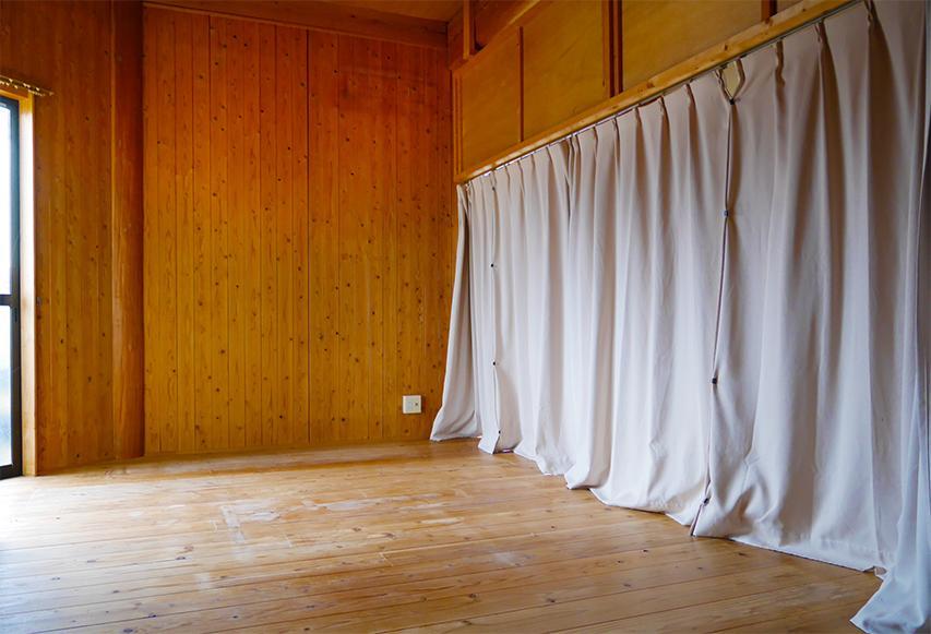 リビングのカーテンを開けると...