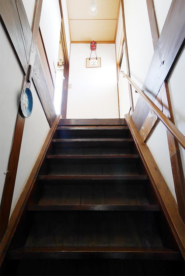 階段。沈みもなく、しっかりとした作り。