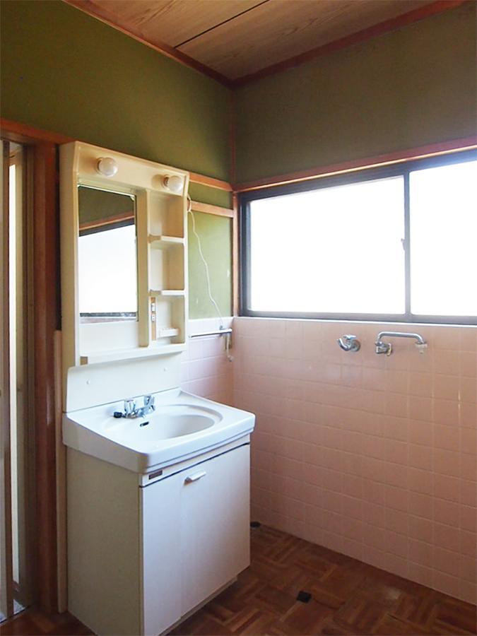 独立洗面台&脱衣所スペース。