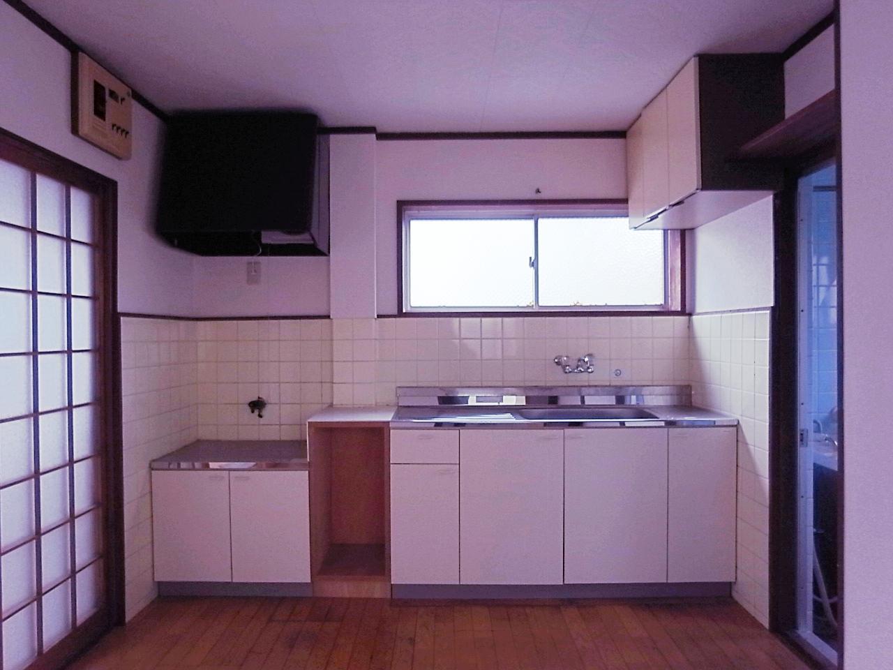 2F水周りスペース。右手に風呂トイレあり。