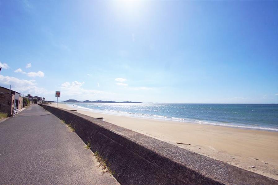 青い空と海、綺麗な砂浜。優しい波音が心地良い〜