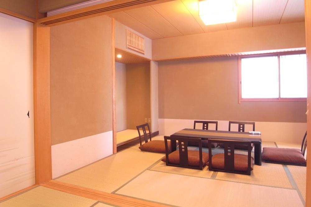 和室は2間続きの8帖と6帖